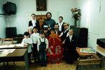 Ключарь собора иерей Владимир Кузьмин с преподавателями и учениками воскресной школы