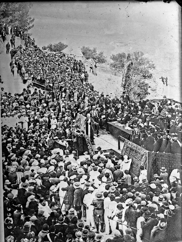 1925. Открытие Еврейского университета в Иерусалиме. С речью выступает лорд Бальфур