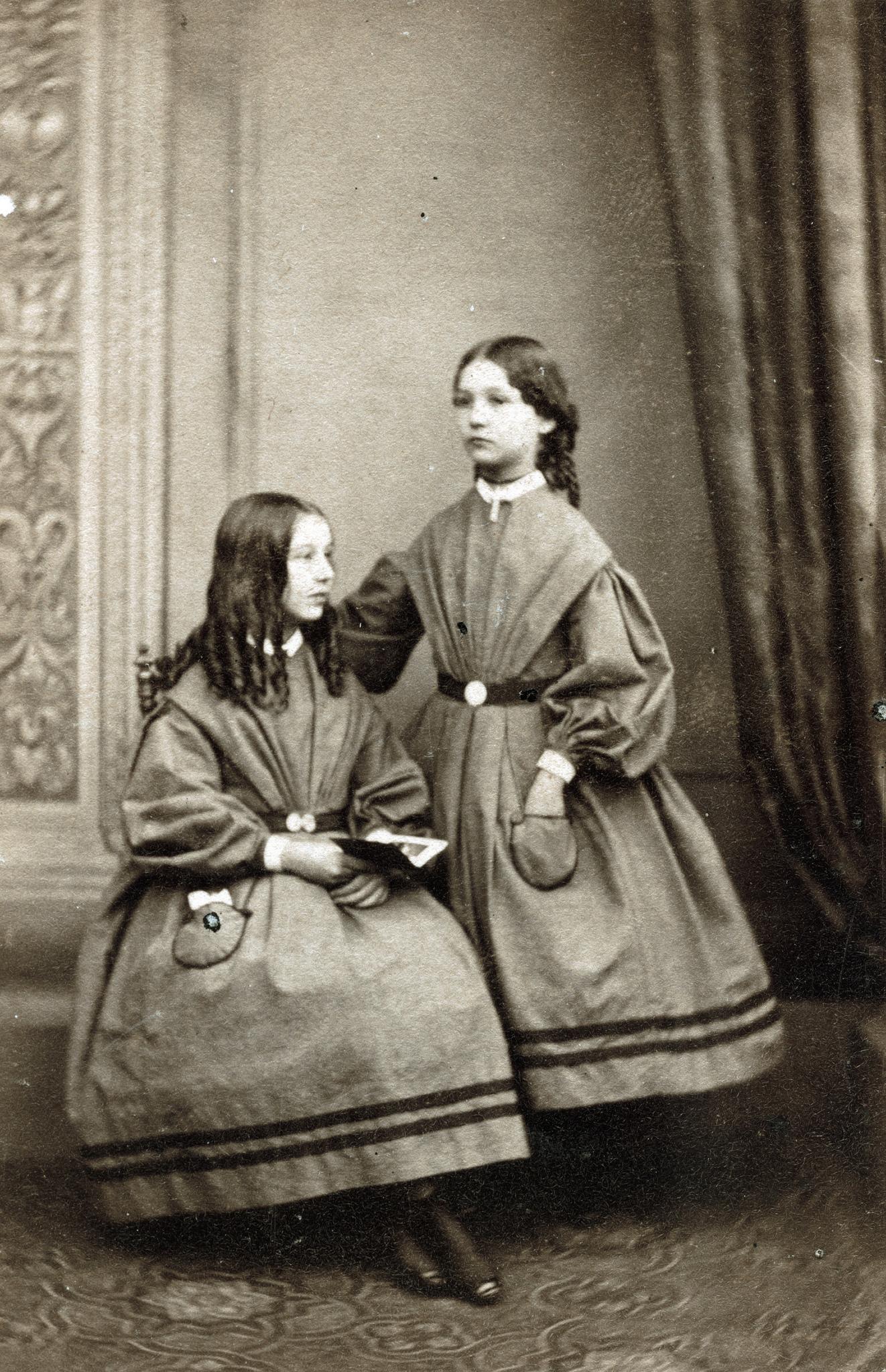 1865. Две сестры англичанки