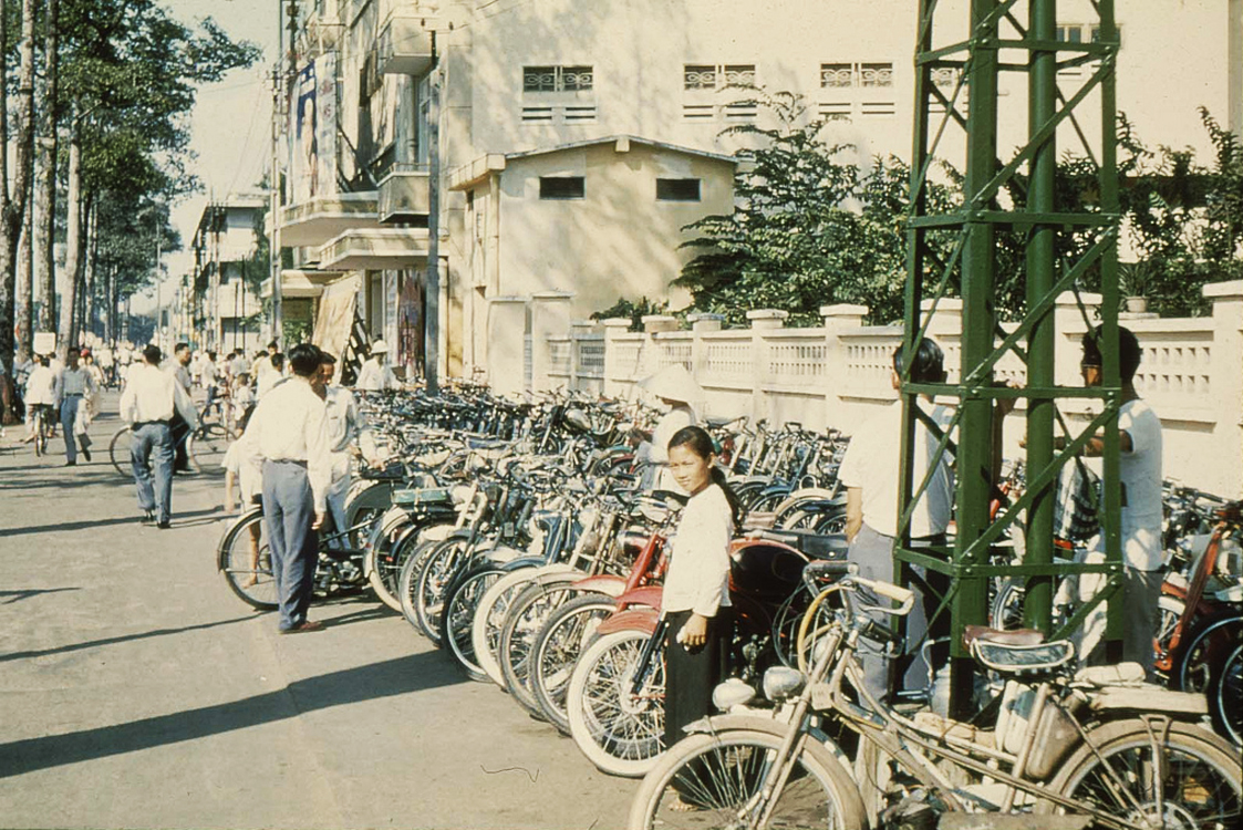 04. Улица Tran Hung Dao. Кинотеатр Dai Nam