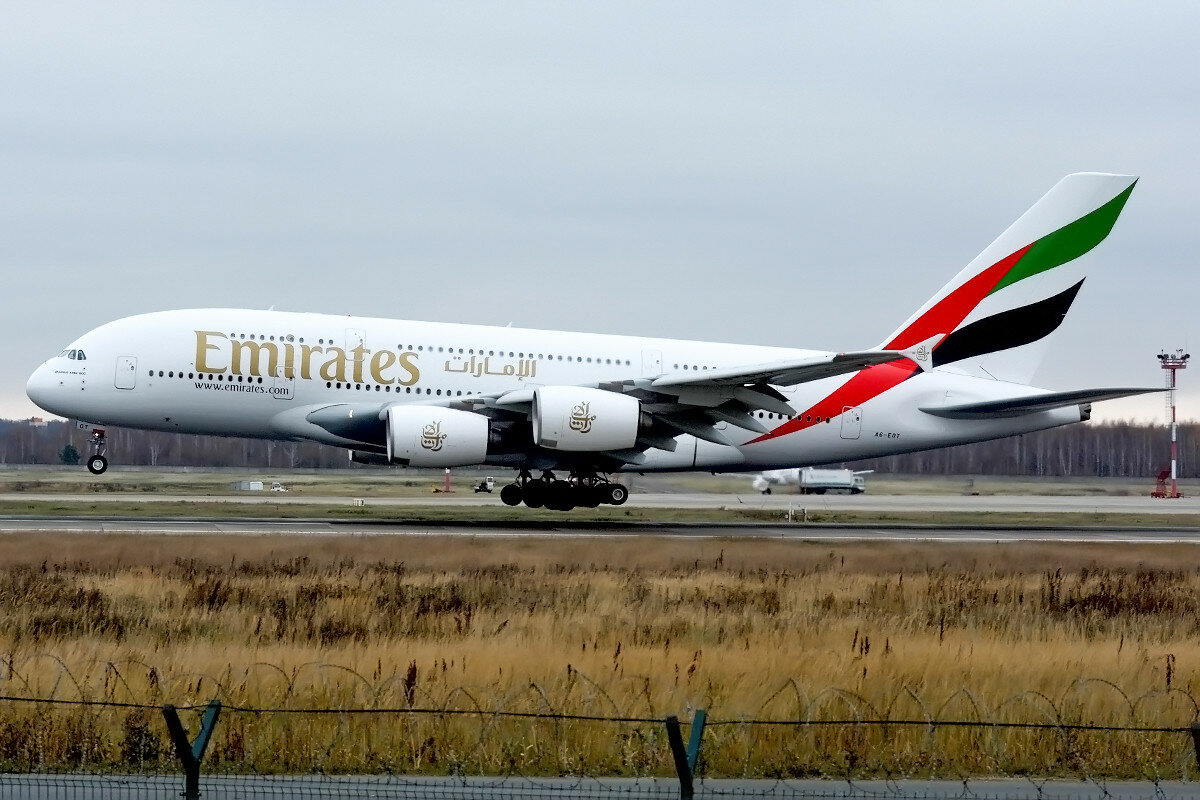 Airbus A380-861. Emirates. A6-EOT.