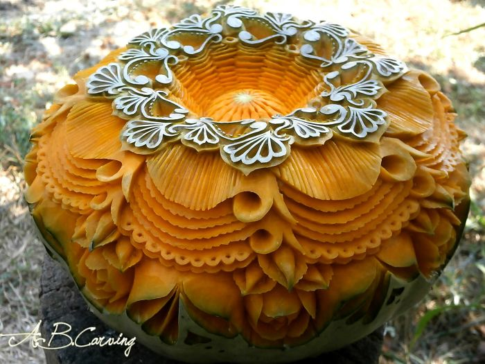 15-Alternative-Halloween-Pumpkins-carved-by-master-Angel-Boraliev-59ed989b0df1c__700.jpg
