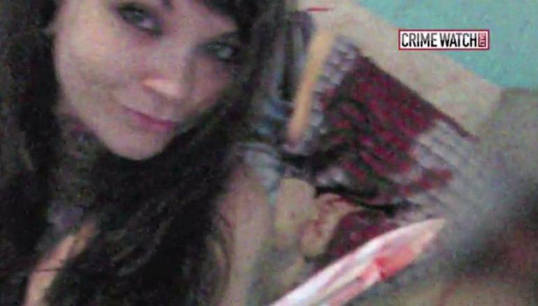 Селфи с окровавленным ножом (1 фото)