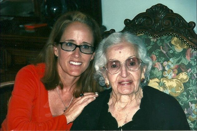 Марта с бабушкой Марией.