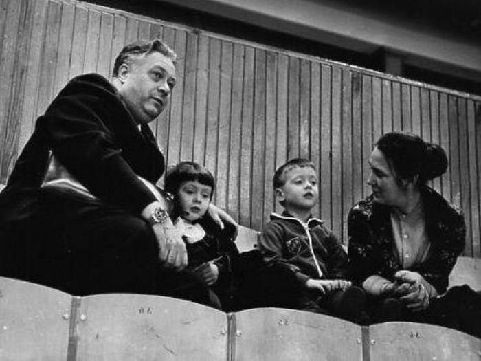 2 июня 1997 года Николай Озеров скончался, и вместе с ним ушла целая эпоха советского телевидения, с