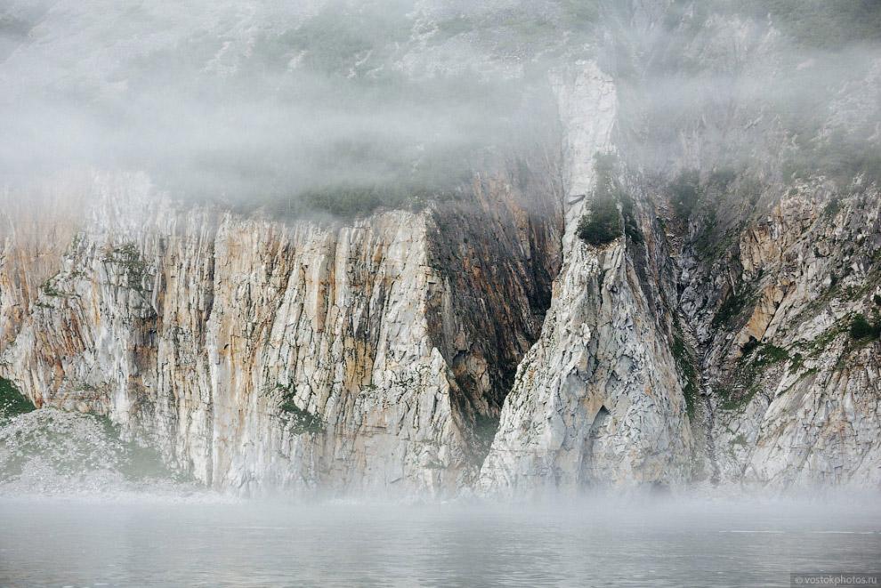 24. Шантарские острова словно кокетничали с нами, открывая лишь малую часть своей красоты.