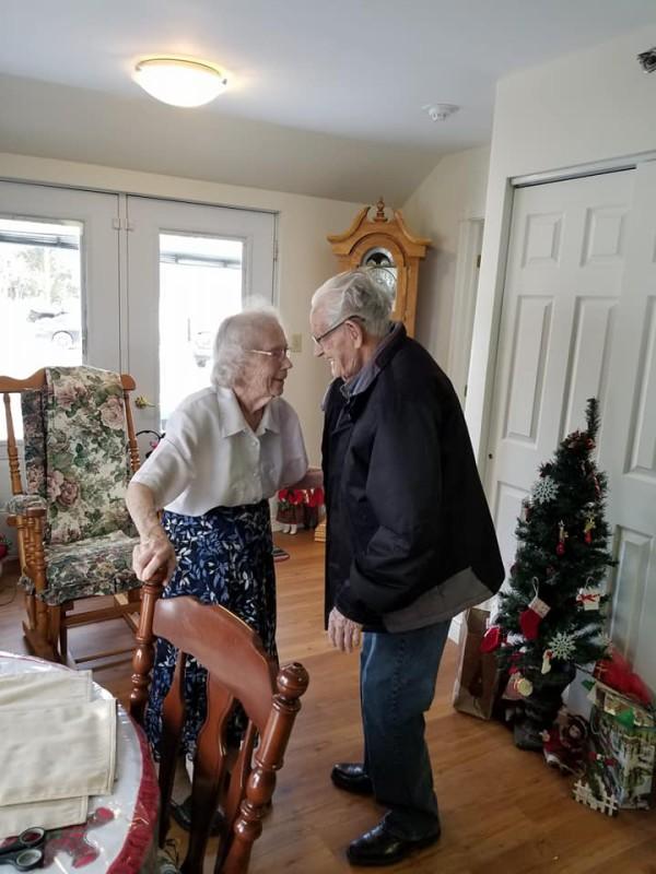 91-летний Герберт и 89-летняя Одри Гудайн вместе уже 73 года, из них женаты 69 лет. Последние три го