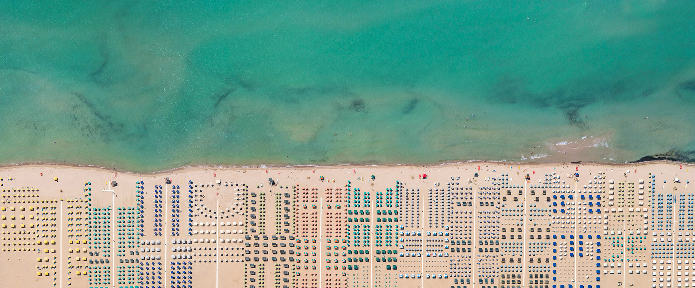 Satisfying Aerial Pictures of an Italian Beach (22 pics)