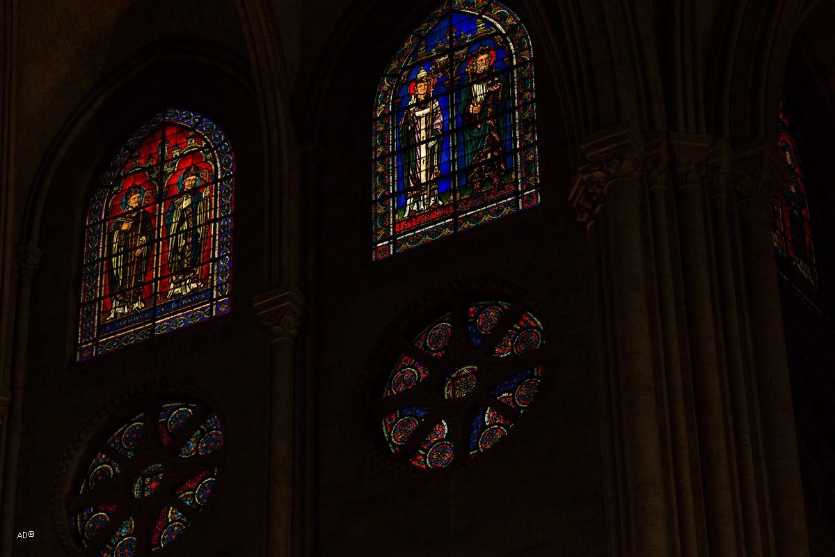 Париж - Нотр-Дам (интерьеры и витражи)