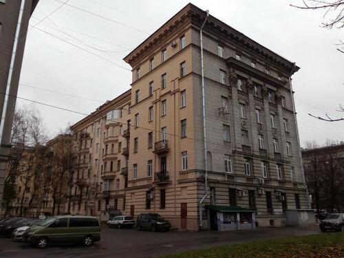 пл. Чернышевского 5