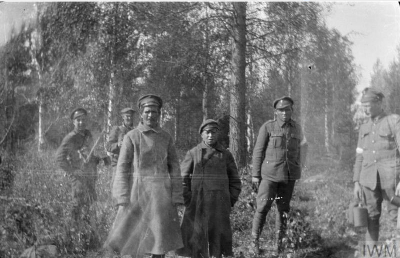 Два пленных большевика, отец и сын 13 лет