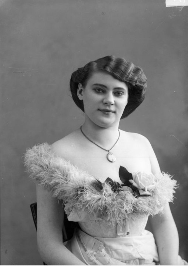 1913. Неизвестная шансонетка Нижегородской ярмарки