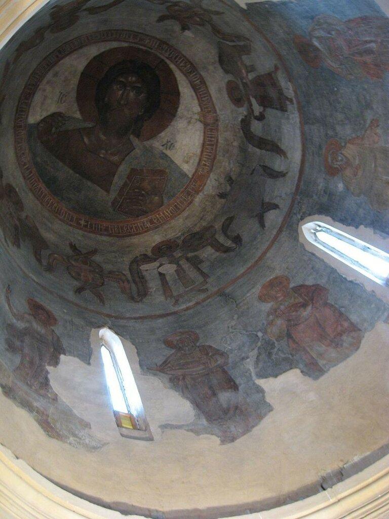 Spas_na_Ilyine_-_Christ_Pantocrator,_archangels_and_patriarchs.jpg