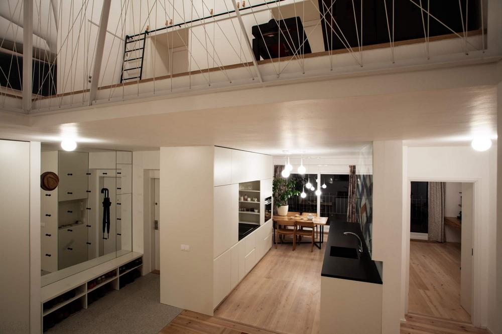 Реконструкция старой квартиры в бывшем чердачном помещении в Праге