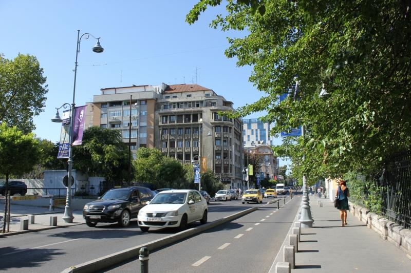 Как попасть в Бухарест без въездного штампа и круто провести время