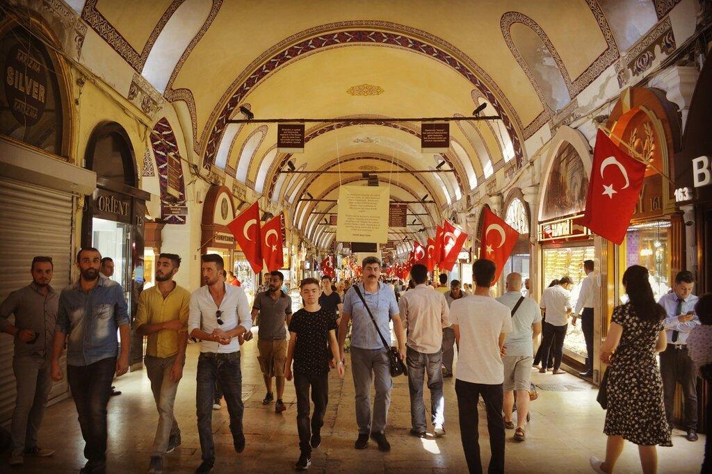Гранд Базар в Стамбуле - один из крупнейших крытых рынков в мире.