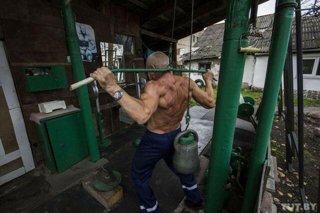 0 17a74c cb4f309f XL - Культурист в 70 лет: реальные фото белорусского деда