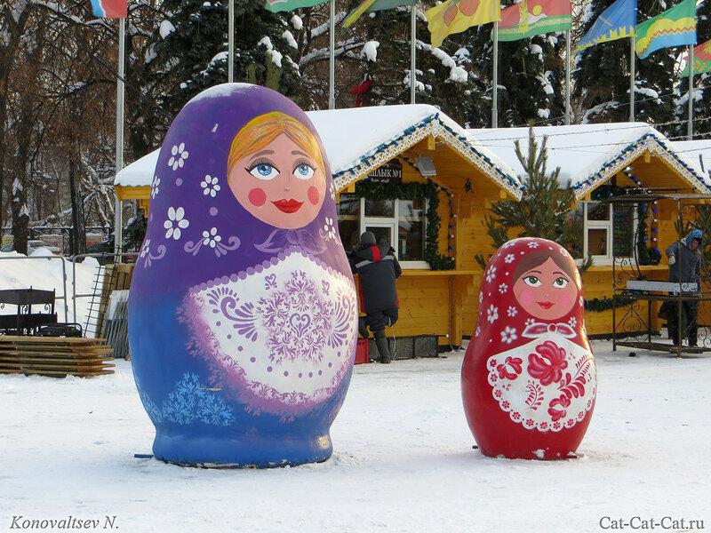 Ульяновск, Матрешки у Елки
