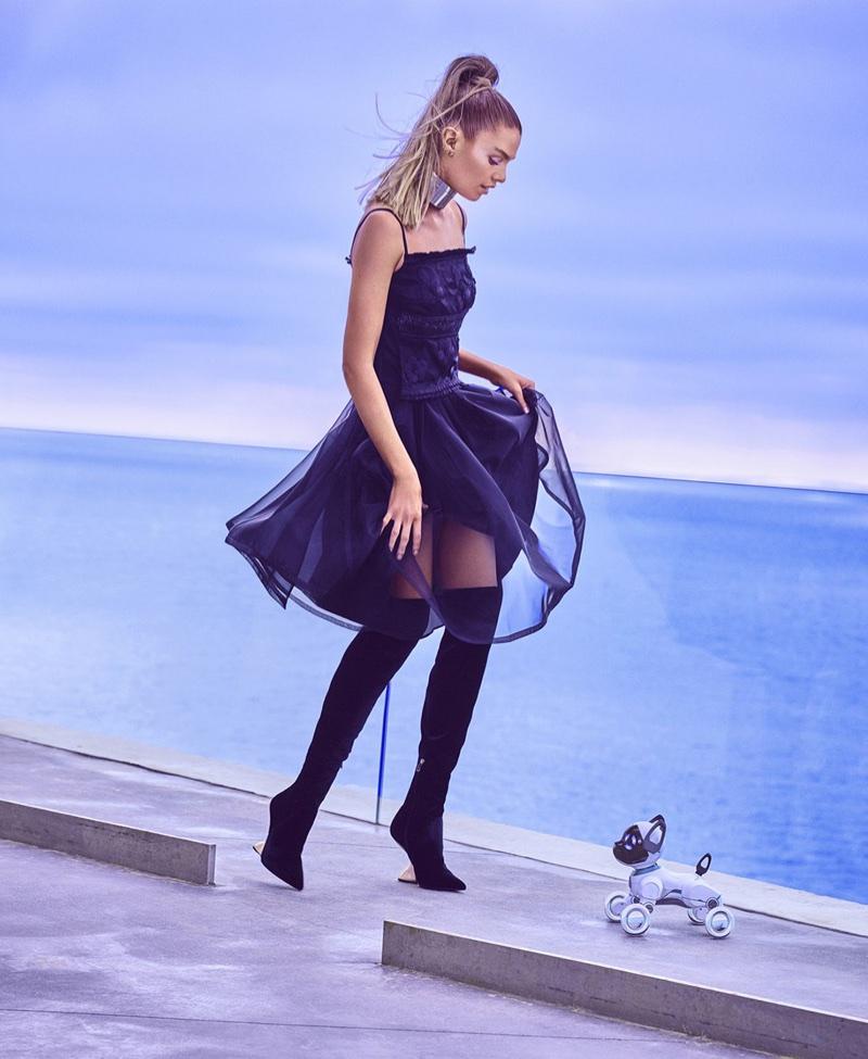Стелла Максвелл в Harper's Bazaar US