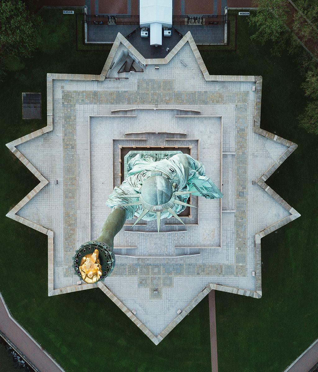 Фотограф снимает улицы Нью-Йорка с помощью дрона, и на это можно смотреть бесконечно (9 фото)