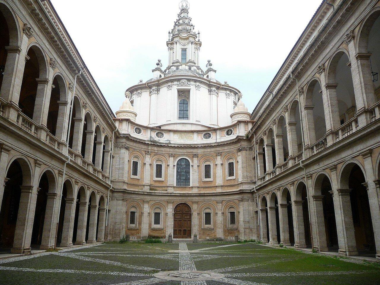 Церковь Sant'Ivo alla Sapienza