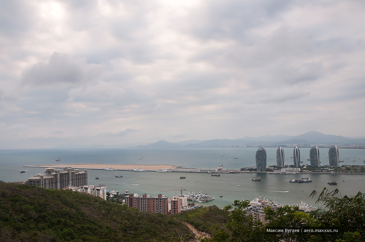 Luhuitou Park. Best views of Sanya. Photo by Max Bugaev | aero.maxxus.ru