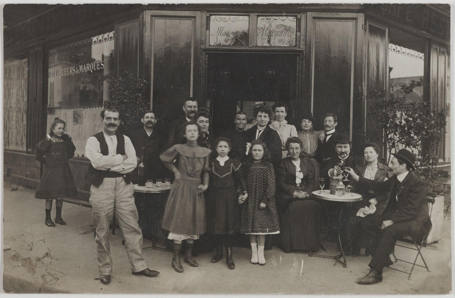 1905-1910. Кафе. Дом Александра (1-й округ)
