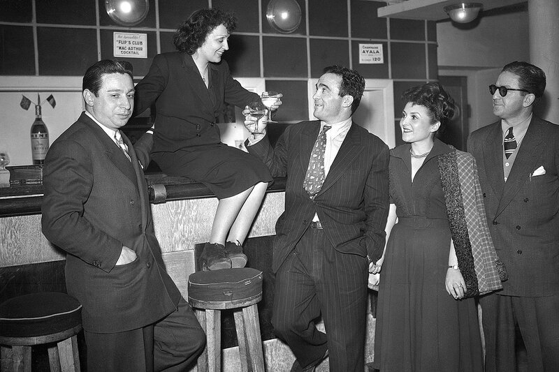 7773535085_edith-piaf-et-michel-cerdan-trinquent-au-bar-du-theatre-du-club-des-cinq-a-paris-le-17-mars-1948.jpg