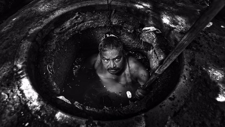Грязная работа индийских коммунальщиков
