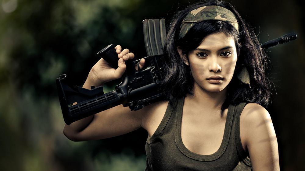 Вооруженные девчонки