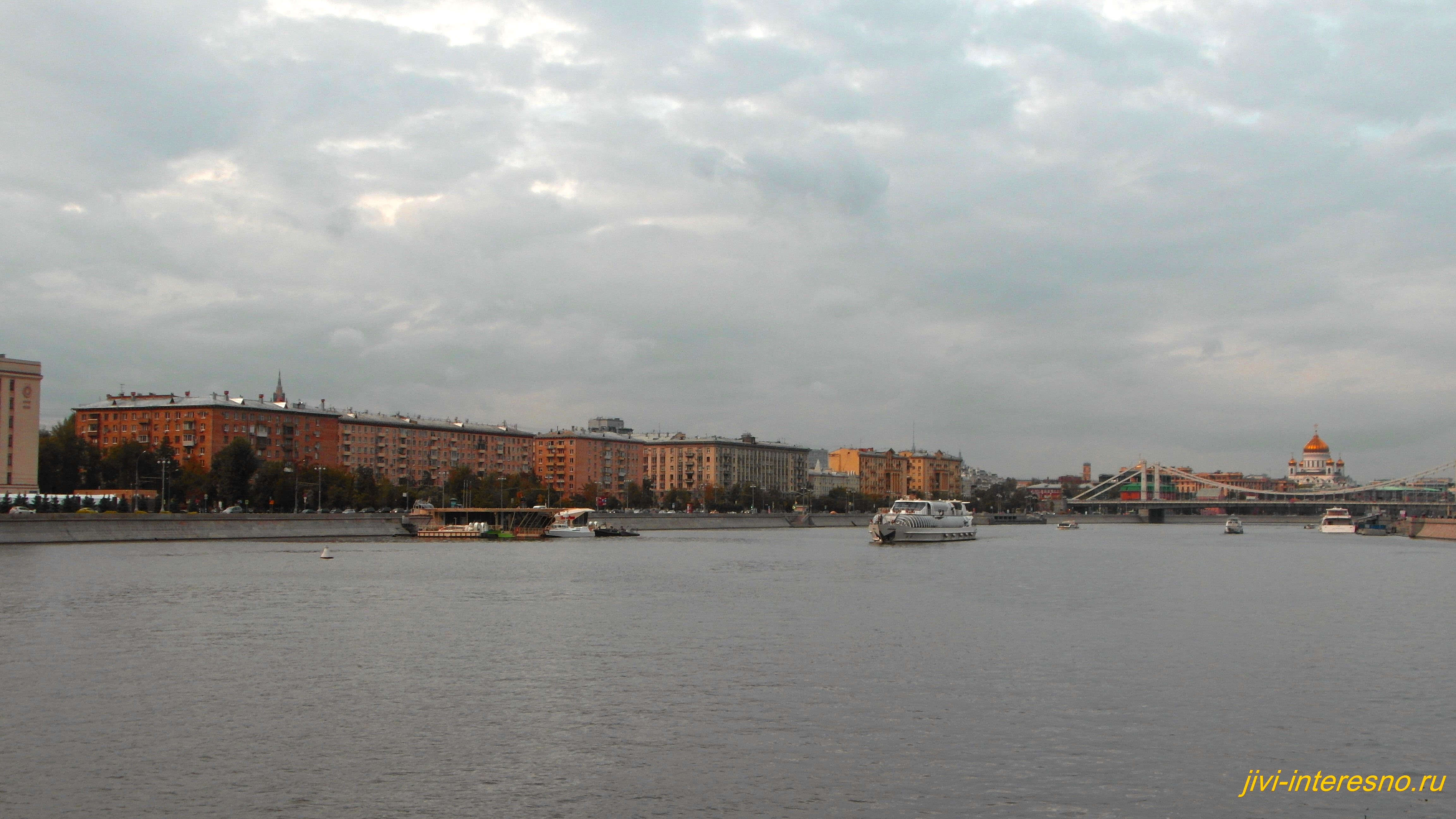 Осенняя Москва, Москва река