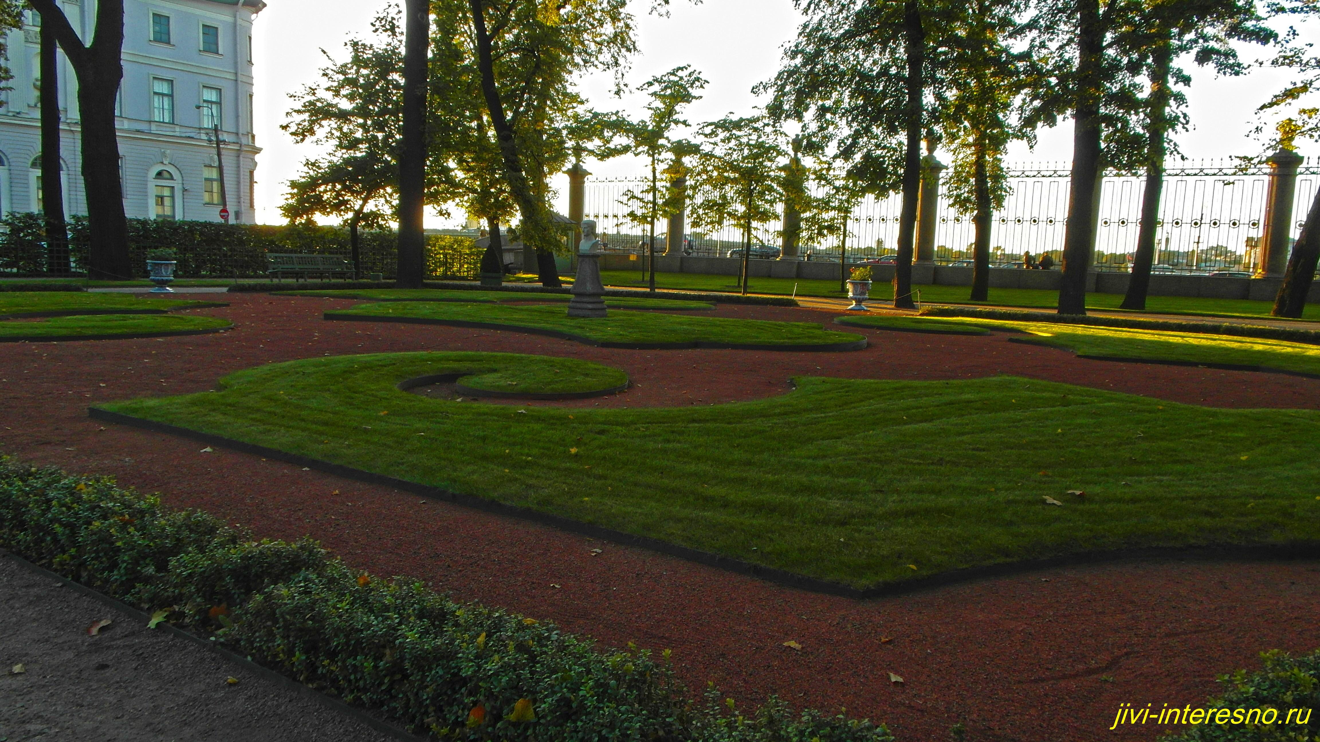 Летний сад в Питере в сентябре