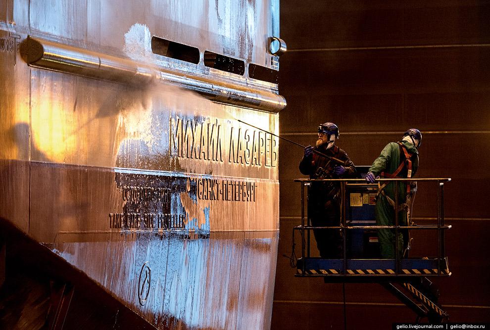 9. В декабре 2010 года Arctech Helsinki Shipyard вошла в состав «Объединённой судостроительной корпо