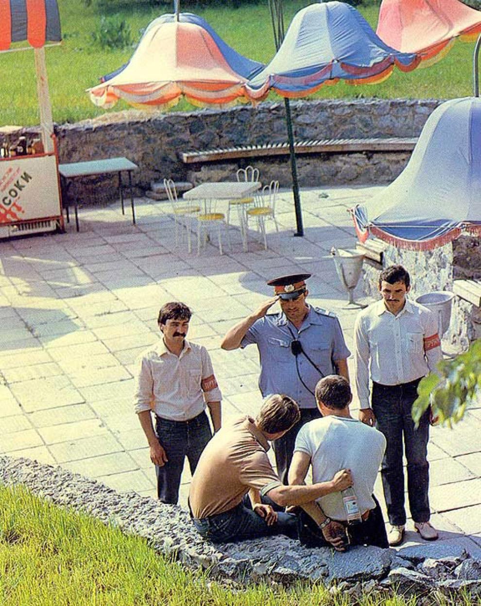 24. Со спиртным в 1987-м уже были проблемы, а еды ещё вполне хватало. По крайней мере в Москве. Дети