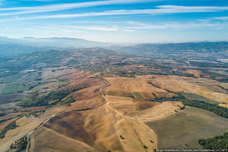 2. Большинство из тех, кто думает о путешествии в Тоскану, в первую очередь имеет в виду именно эти