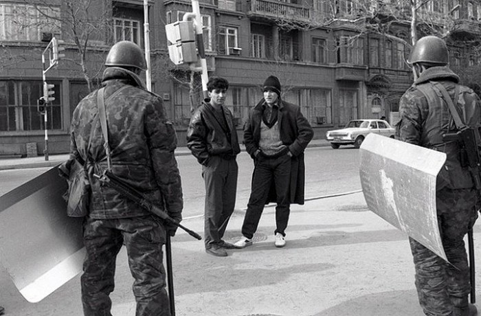 Январь 1990 года бакинцы и многие беженцы, покинувшие тогда столицу Аз.ССР, называют «черным» или «к