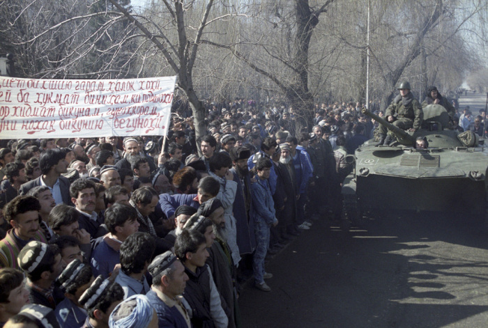 Волнения в Душанбе начались в феврале 1990 года. В то время отмечалось напряжение в обществе из-за п