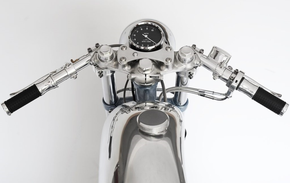 Кастом Honda CB550 Bikini