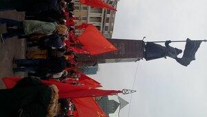 Демонстрацией, митингом и салютом отметили во Владивостоке 100-летие Великого Октября
