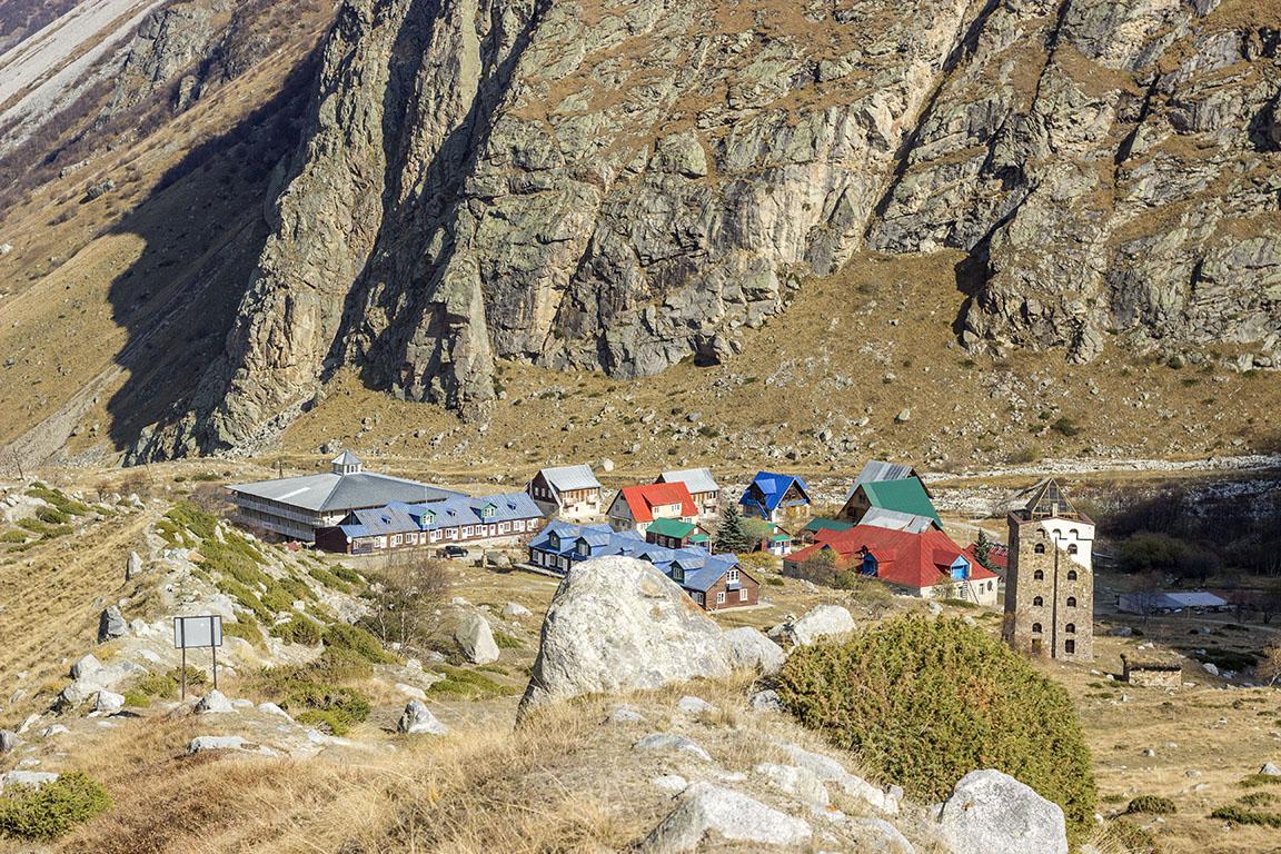 Альпийский лагерь Безенги