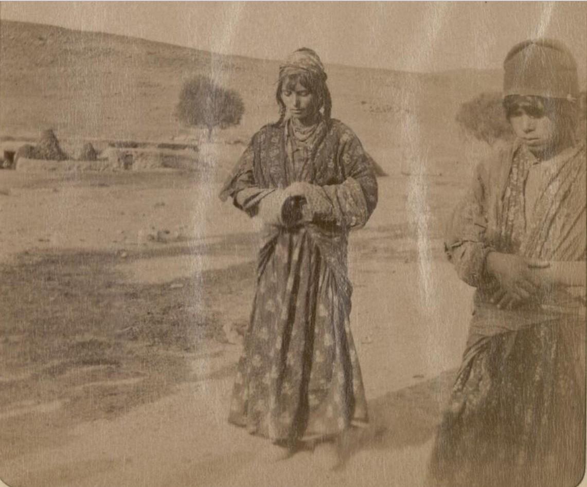 25. Окрестности Эривани. Курды