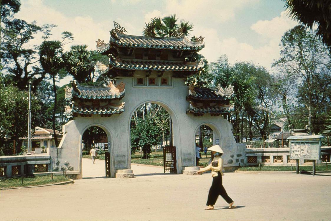 09. Мавзолей Ba Chieu