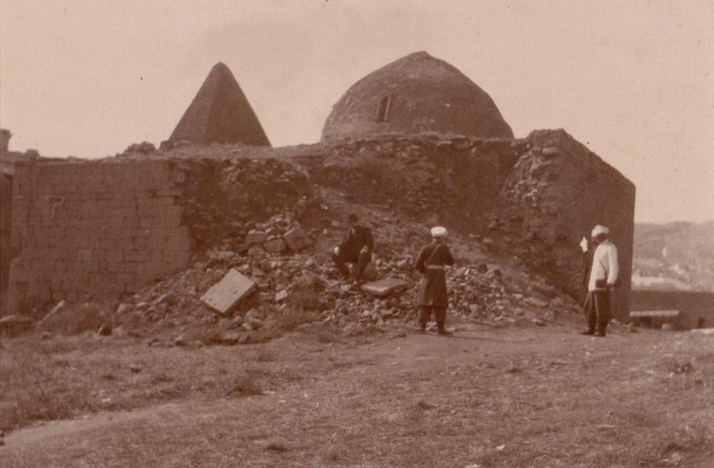 09. Баку. Развалины в крепости
