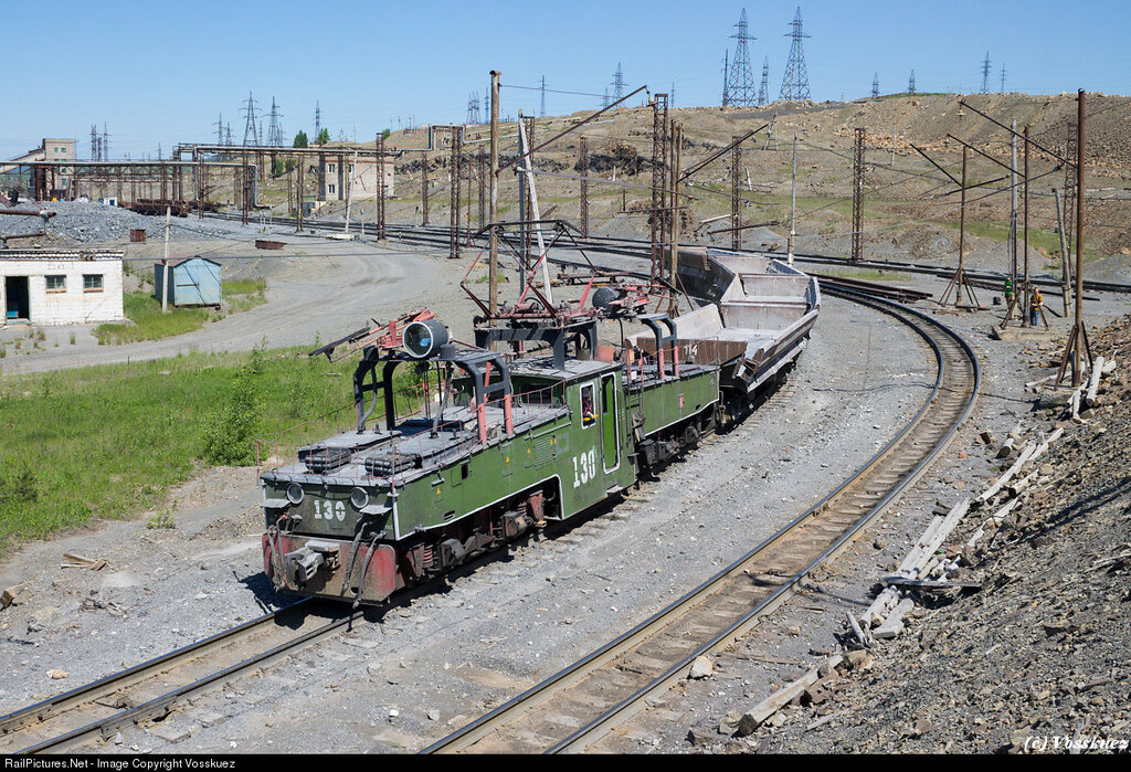 EL3-130, electrified narrow gauge line at Satka's magnesite plant, Satka, Chelyabinsk region, Russia, June 11, 2014.