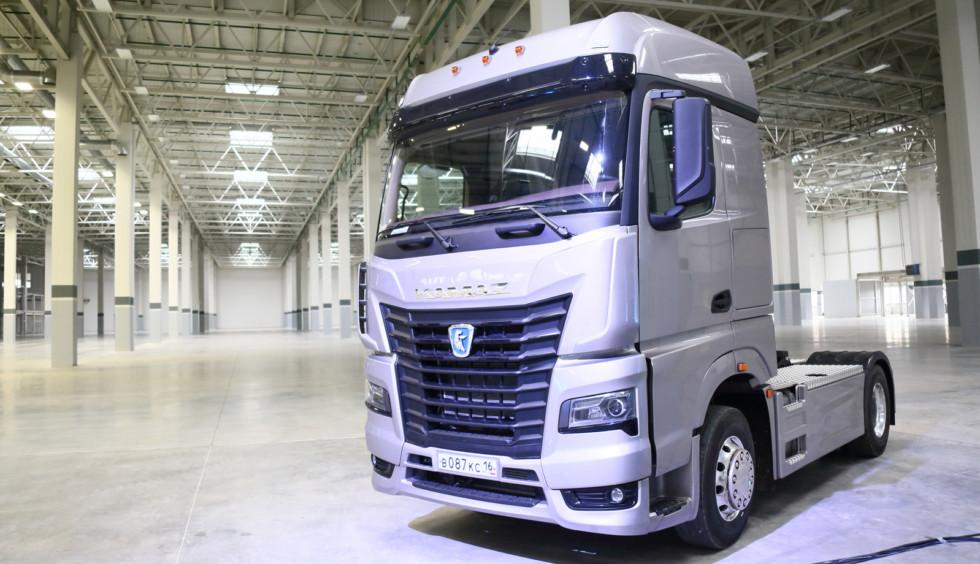 Daimler начинает оснащать оборудованием завод каркасов кабин (3 фото)