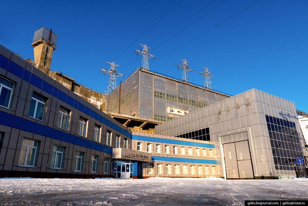 3. Мощность Вилюйской ГЭС составляет 680 мегаватт. Для сравнения: Саяно-Шушенская гидростанция почти