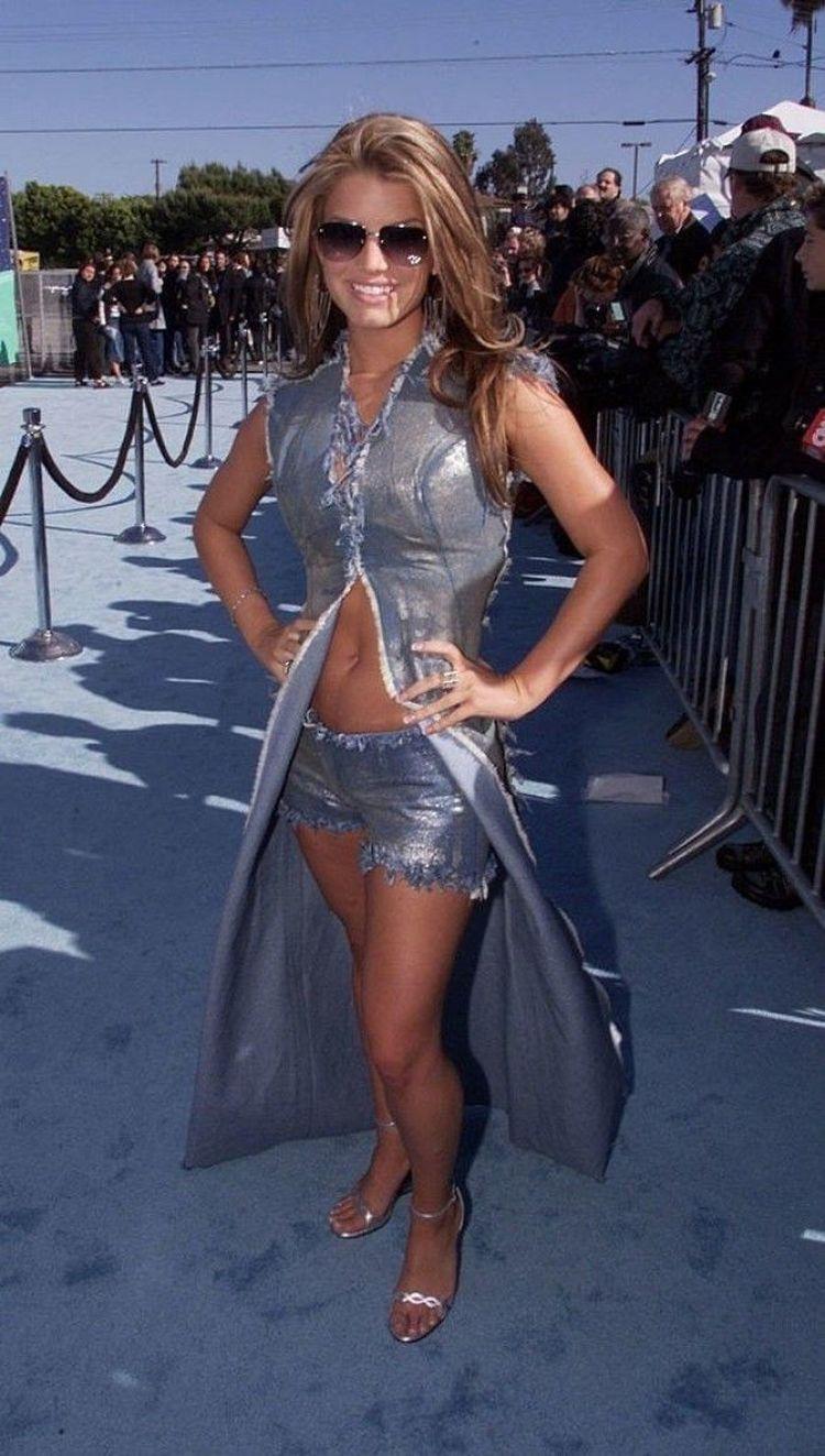 2008 год: сочетающиеся наряды Кортнии Ким Кардашян