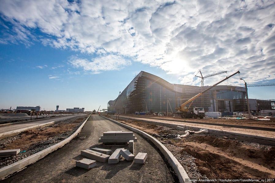 26. Пропускная способность нового аэропорта планируется на уровне 6,5 миллионов пассажиров в год или