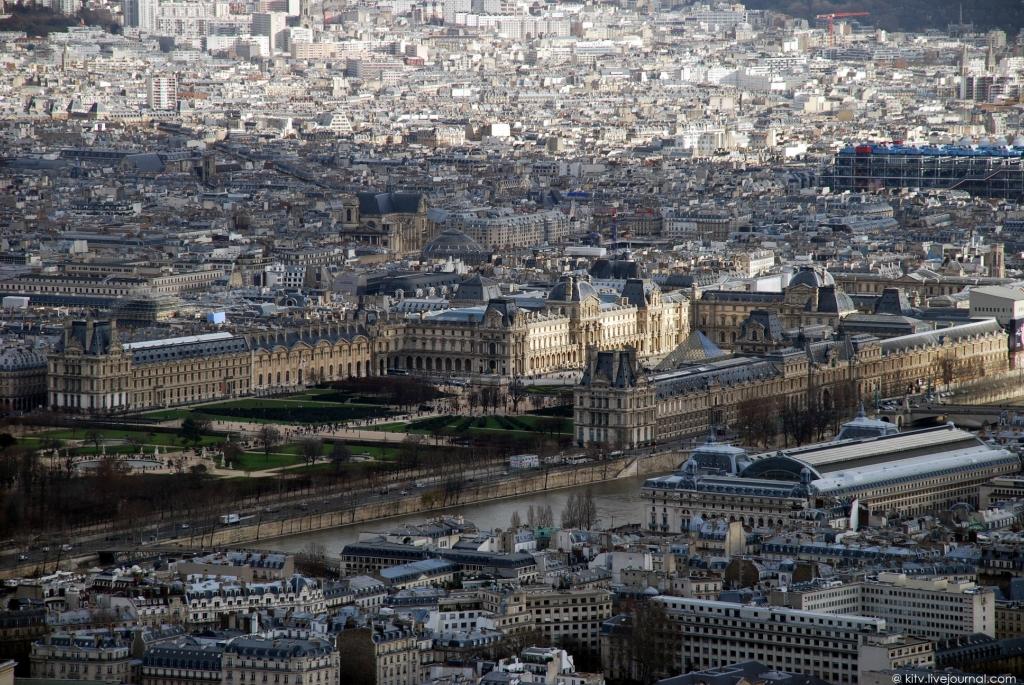 20. Лувр. Королевский дворец, резиденция французских королей в период с начала XIV по конец XVII век