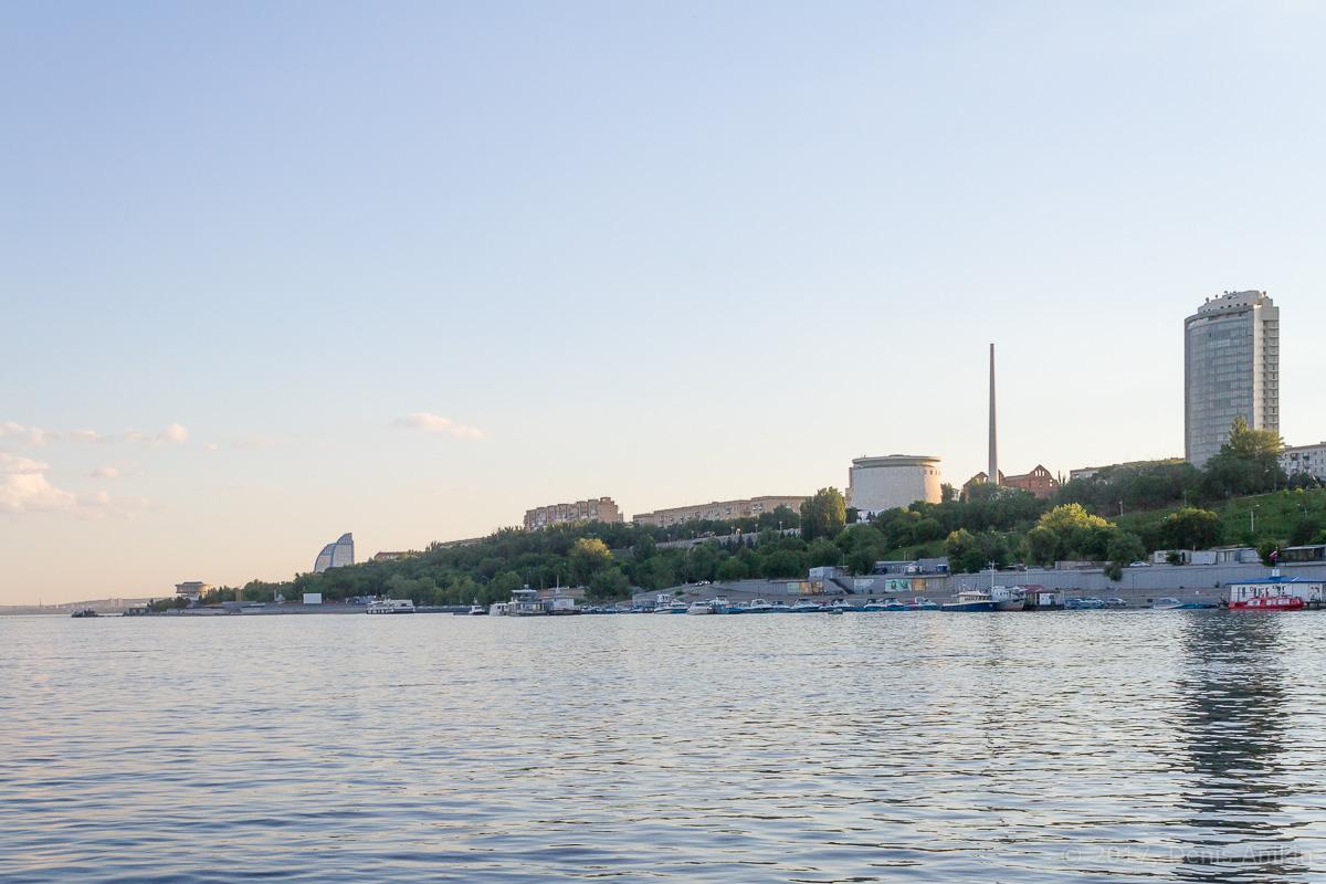 проплывая Волгоград фото 5